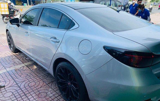 Bán xe Mazda 6 2.0 sản xuất 2017, màu xám khói, xe đẹp như mới, giá cả uy tín2