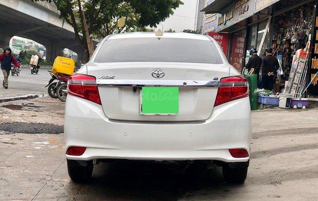 Cần bán lại Toyota Vios E 2018, màu trắng, biển thành phố, xe đẹp như mới4