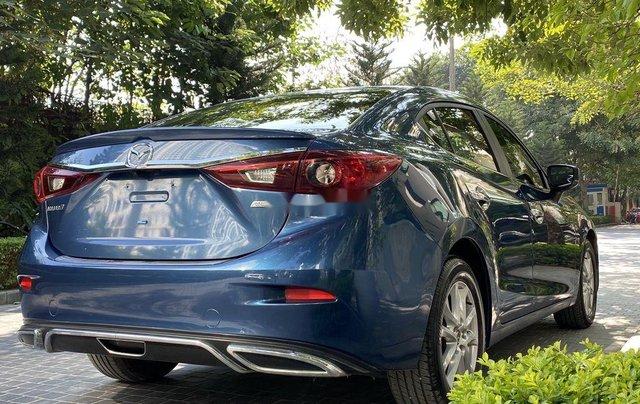 Cần bán xe Mazda 3 năm sản xuất 2018, màu xanh lam3