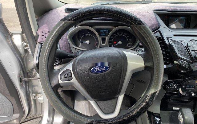 Cần bán gấp Ford EcoSport 2015, màu bạc chính chủ11