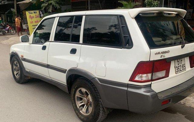 Bán ô tô Ssangyong Musso 2001, màu trắng, nhập khẩu0