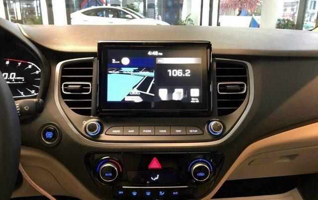 Cần bán Hyundai Accent sản xuất 2020, màu trắng, 520tr8