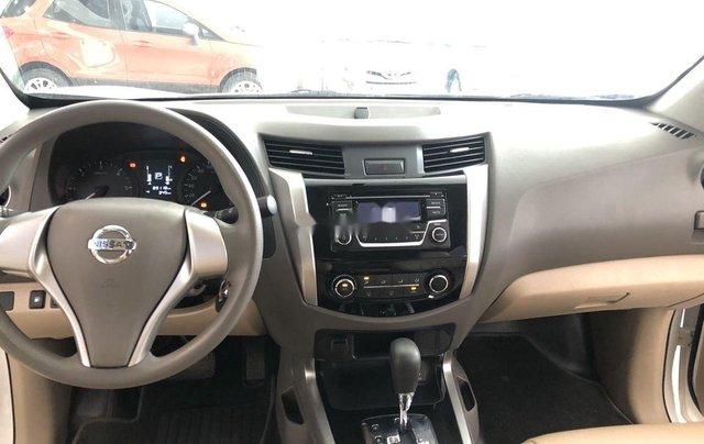 Bán Nissan Navara 2016, màu trắng, nhập khẩu chính chủ6