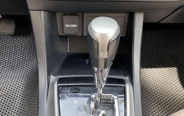 Xe Toyota Corolla Altis đời 2015, màu bạc còn mới, giá 536tr6