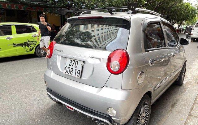 Cần bán xe Chevrolet Spark sản xuất 2011, màu bạc, giá tốt1