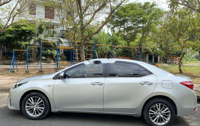 Xe Toyota Corolla Altis đời 2015, màu bạc còn mới, giá 536tr2