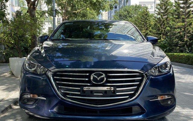 Cần bán xe Mazda 3 năm sản xuất 2018, màu xanh lam0