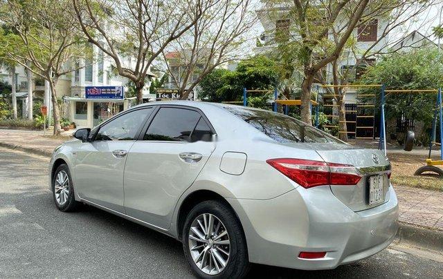 Xe Toyota Corolla Altis đời 2015, màu bạc còn mới, giá 536tr4