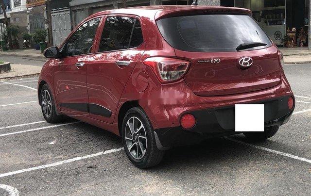 Cần bán gấp Hyundai Grand i10 sản xuất 2017, màu đỏ còn mới4