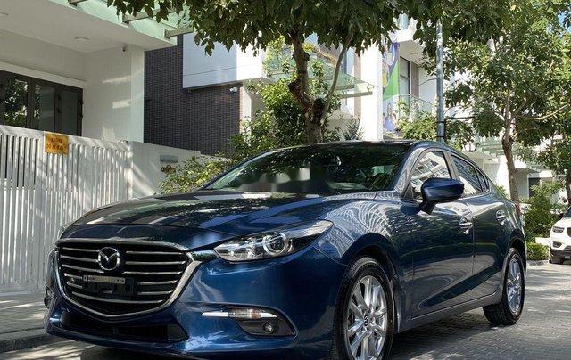 Cần bán xe Mazda 3 năm sản xuất 2018, màu xanh lam2