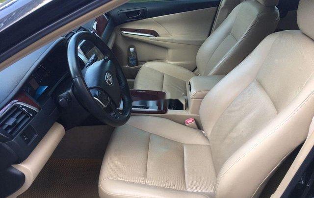 Cần bán xe Toyota Camry 2014, màu đen chính chủ, 668 triệu6