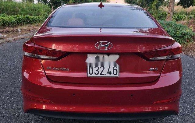 Cần bán gấp Hyundai Elantra sản xuất 2016 còn mới3