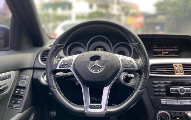 Cần bán lại xe Mercedes C300 AMG năm sản xuất 2011, màu đen9