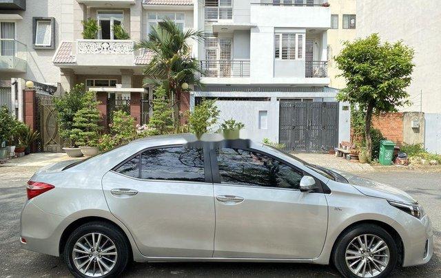 Xe Toyota Corolla Altis đời 2015, màu bạc còn mới, giá 536tr5