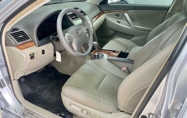 Bán ô tô Toyota Camry sản xuất 2009, màu bạc còn mới6
