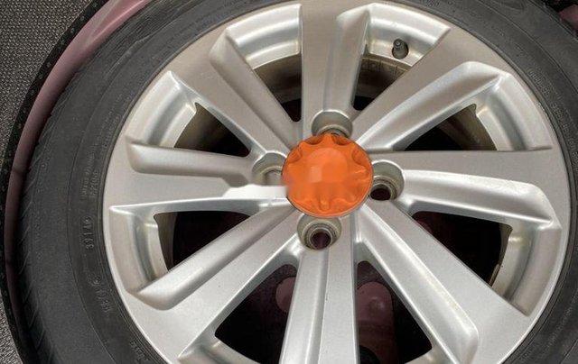Cần bán Toyota Yaris sản xuất 2014, màu đỏ, nhập khẩu, giá tốt5