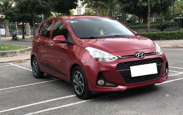 Cần bán gấp Hyundai Grand i10 sản xuất 2017, màu đỏ còn mới2