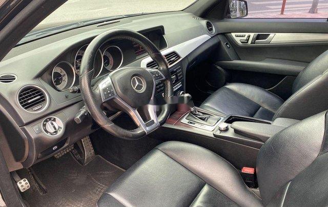 Cần bán lại xe Mercedes C300 AMG năm sản xuất 2011, màu đen5
