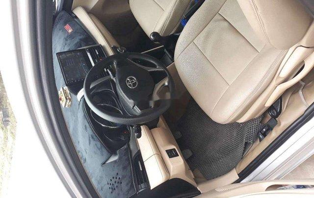 Bán Toyota Vios năm 2015 còn mới, giá 332tr2