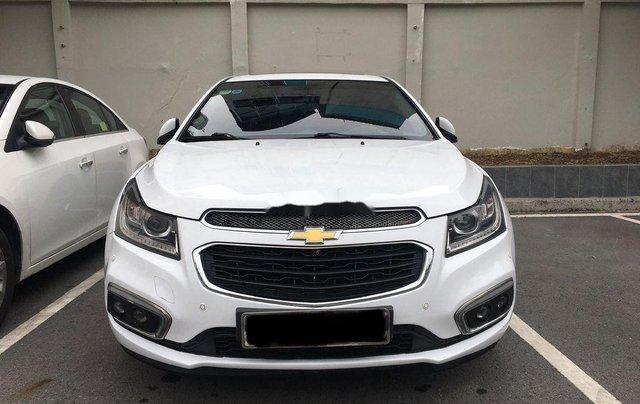 Cần bán gấp Chevrolet Cruze 2017, màu trắng còn mới1