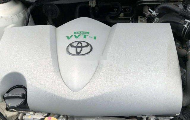 Cần bán xe Toyota Vios đời 2017, màu trắng chính chủ10