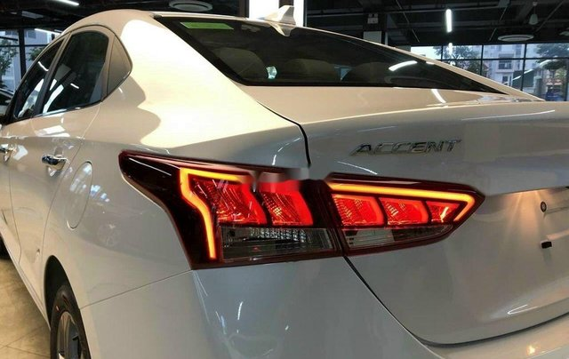 Cần bán Hyundai Accent sản xuất 2020, màu trắng, nhập khẩu7