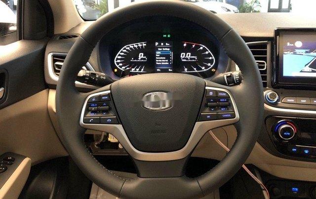 Bán xe Hyundai Accent năm 2020, màu trắng, 515tr1