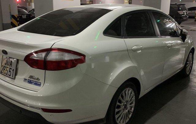Cần bán gấp Ford Fiesta năm 2014, màu trắng giá cạnh tranh1