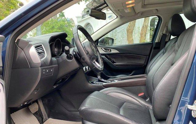 Cần bán xe Mazda 3 đời 2018, dáng Hatchback3