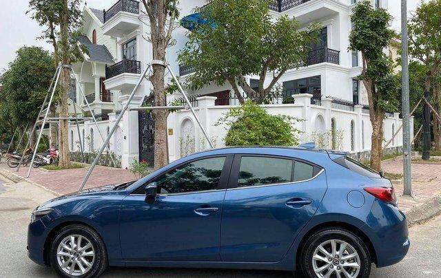 Cần bán xe Mazda 3 đời 2018, dáng Hatchback1