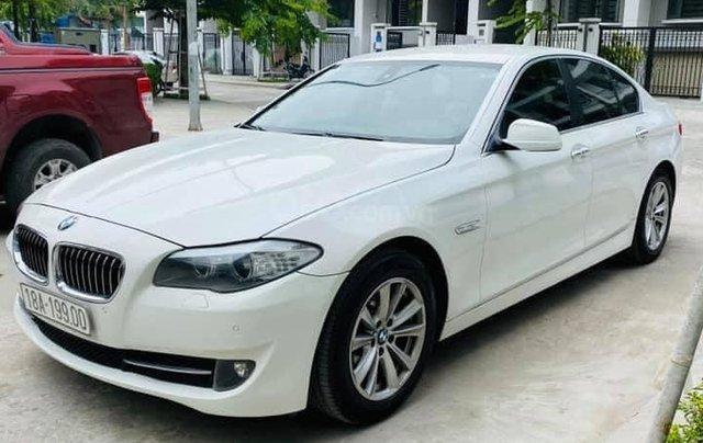 Cần bán xe BMW 520i đời 2014, màu trắng0