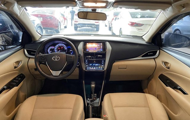 Bán xe Toyota Vios 1.5G 2018 màu đen, trả góp chỉ từ 176 triệu7