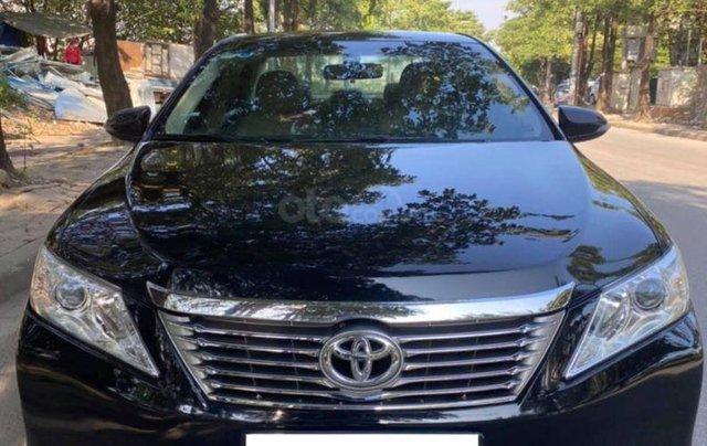 Cần bán xe Toyota Camry 2.0E đời 20150