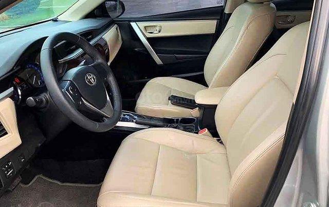 Bán Toyota Corolla Altis sản xuất năm 2015, màu bạc số tự động, giá chỉ 548 triệu4