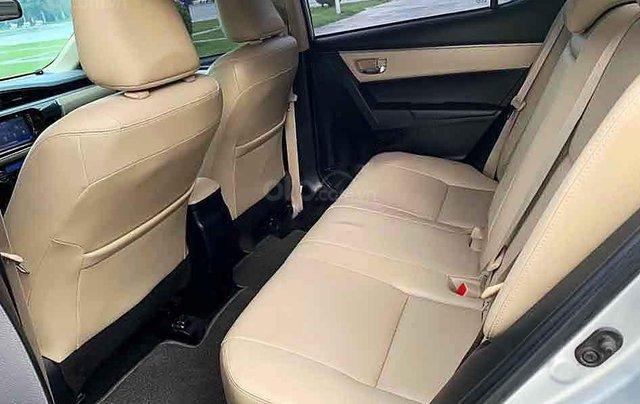 Bán Toyota Corolla Altis sản xuất năm 2015, màu bạc số tự động, giá chỉ 548 triệu1