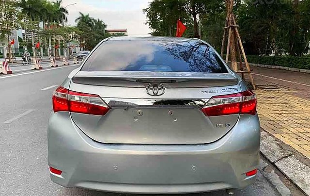 Bán Toyota Corolla Altis sản xuất năm 2015, màu bạc số tự động, giá chỉ 548 triệu3