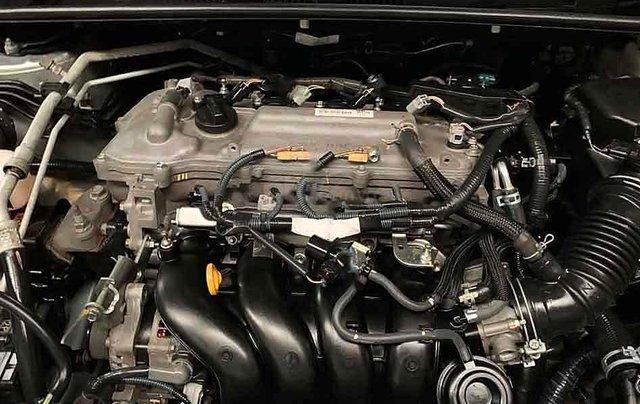 Bán Toyota Corolla Altis sản xuất năm 2015, màu bạc số tự động, giá chỉ 548 triệu5