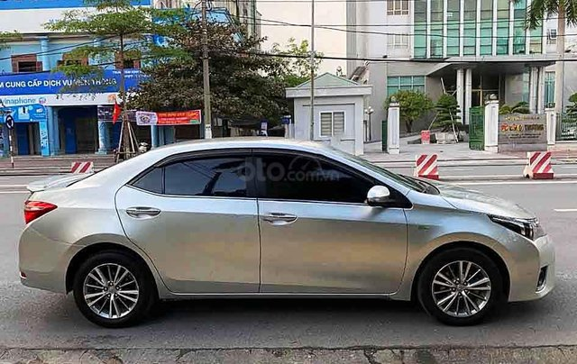 Bán Toyota Corolla Altis sản xuất năm 2015, màu bạc số tự động, giá chỉ 548 triệu0
