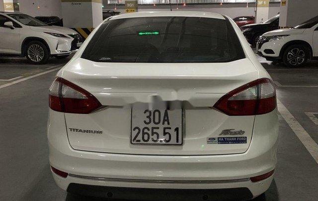 Cần bán gấp Ford Fiesta năm 2014, màu trắng giá cạnh tranh2