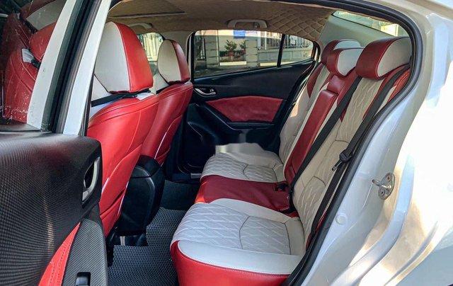 Cần bán Mazda 3 năm sản xuất 2015, màu trắng7