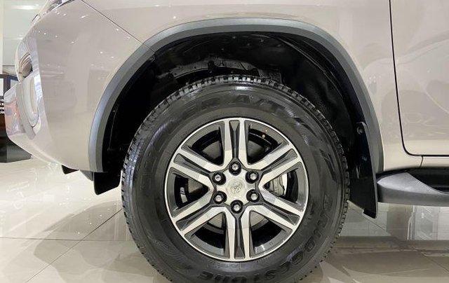 Bán xe Toyota Fortuner đời 2020, màu xám3