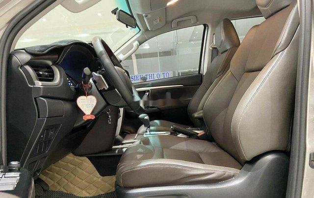 Cần bán gấp Toyota Fortuner năm 2020 còn mới8