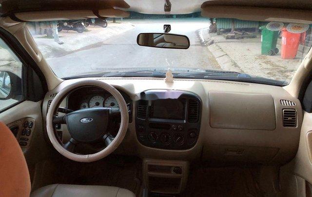 Cần bán xe Ford Escape 2004, màu đen chính chủ, 179tr5