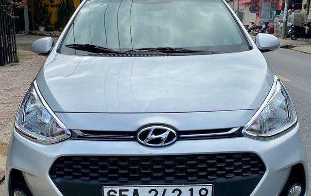 Bán Hyundai Grand i10 đời 2018, màu bạc  0