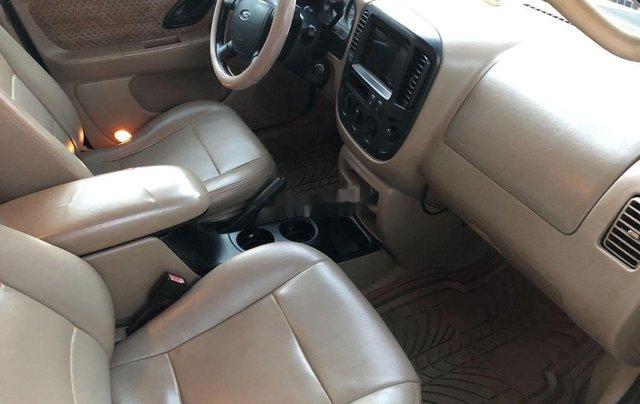 Cần bán xe Ford Escape 2004, màu đen chính chủ, 179tr6
