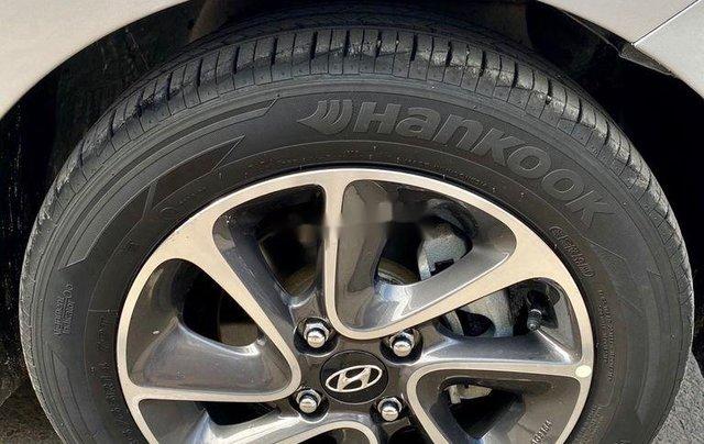 Bán Hyundai Grand i10 đời 2018, màu bạc  8