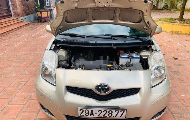 Bán Toyota Yaris sản xuất năm 2011, màu vàng, nhập khẩu nguyên chiếc, 370tr1