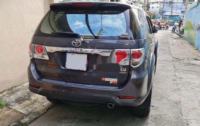 Bán xe Toyota Fortuner năm 2012, màu xám, 590tr2
