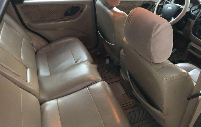 Cần bán xe Ford Escape 2004, màu đen chính chủ, 179tr4