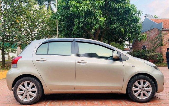 Bán Toyota Yaris sản xuất năm 2011, màu vàng, nhập khẩu nguyên chiếc, 370tr0
